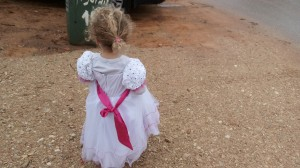 דריה חוגגת את גיל 3 בשמלת נסיכות כפי שחלמה